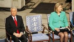 صندلی خالی، نمایانگر جای «لی یوشیائوبو» ناراضی زندانی چینی و برنده جایزه امسال صلح نوبل