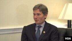 톰 말리노스키 민주당 하원의원이 4일 VOA와 인터뷰했다.