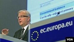 Komisaris Ekonomi dan Moneter UE, Olli Rehn berbicara pada sebuah konferensi pers di Brussles, Belgia (10/11)