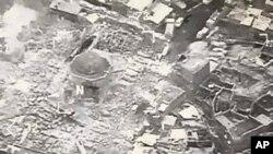 Foto de la mezquita al-Nuri destruida por el grupo Estado Islámico en Mosul. Imagen proporcionada por U.S. CENTCOM. Junio 21, 2017.