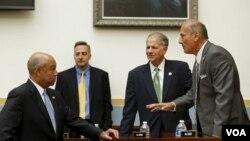رپبلکن کانگریس مین ٹام مارینو (دائیں طرف)۔ فائل فوٹو