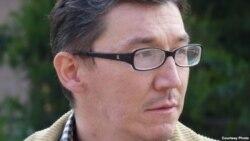 Jurnalist Sid Yanishevni tanqidiy maqolalari ketidan militsiya qidirib keldi-Malik Mansur