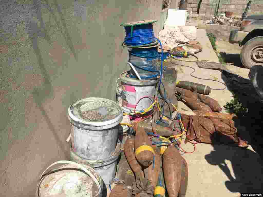 مواد انفجاری که از گروه داعش در غرب شهر موصل بجا مانده است.