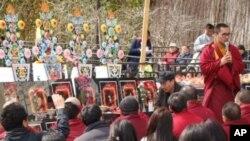 藏人在聯合國總部門前追思自焚的僧侶