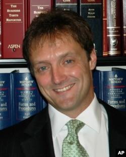 代表两名学生的律师维托德·沃尔扎克
