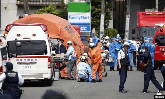 El sospechoso mató a dos menores e hirió a 16 más antes de quitarse la vida, según autoridades y medios japoneses.