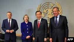 Ðại diện của nhóm Bộ Tứ Trung Ðông tại các cuộc họp trước đây: (trái sang phải) cựu Thủ tướng Anh Tony Blair, Ngoại trưởng Mỹ Hillary Clinton, Tổng Thư ký LHQ Ban Ki-moon và Ngoại trưởng Nga Sergei Lavrov (ảnh tư liệu)