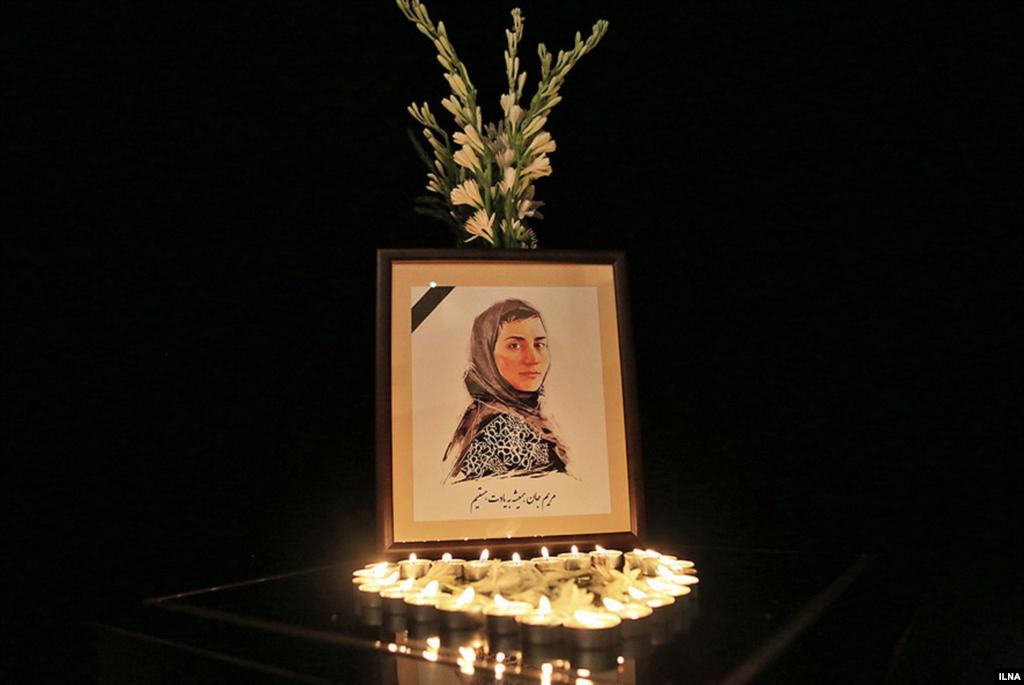 مراسم بزرگداشت مریم میرزاخانی در موسسه رعد در تهران عکس: هوشنگ هادی