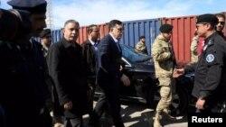لیبیا کی اقوام متحدہ کی تسلیم شدہ حکومت کے سربراہ السراج طرابلس کی بندرگاہ پر حملے کے بعد وہاں کا دورہ کر رہے ہیں۔ 19 فروری 2020