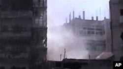 10일에도 계속되는 시리아군의 홈즈 시 폭격. (시민제보 동영상 화면)