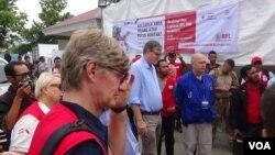 Para Duta Besar Eropa meninjau pendistribusian bantuan Eropa bagi warga Palu terdampak gempa bumi dan tsunami, Jumat pagi (19/10).