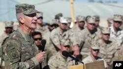 په افغانستان کې د ناټو او امریکايي ځواکونو مشر امریکايي جنرال جان نیکولسن