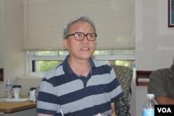哥伦比亚大学客座教授张博树 (美国之音方冰拍摄)