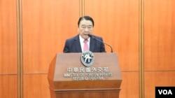 马尼拉经济文化办事处(MECO)理事长培瑞茲(美国之音李逸华拍摄)