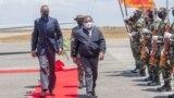 Flipe Nyusi (esq) e Paul Kagame (dir)