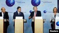 英国外交大臣约翰逊与法国外长、德国外长和欧洲外交政策负责人一起在布鲁塞尔参加记者会(2018年1月11日)