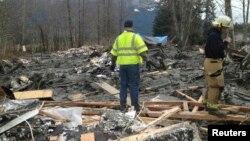 Spasilačke ekipe pretražuju naslage blata i ruševina nakon klizišta u saveznoj državi Vašingtonu