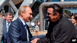 استیون سیگال با ولادیمیر پوتین