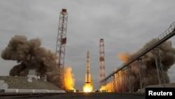 质子号火箭运载火星微量气体探测器升空