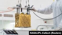 MOXIE - пристрій, завбільшки з тостер, прикріплений до марсохода, зміг видобути кисень з атмосфери Червоної планети