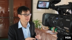 FILE PHOTO - Chheang Vannarith is a researcher at the Iseas-Yusof Ishak Institute, a Singapore think-tank focused on Southeast Asia. (Photo: Nov Povleakhena/VOA Khmer)