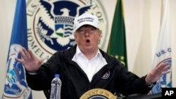 Archivo - El presidente de EE.UU., Donald Trump, habla en una mesa redonda sobre inmigración y seguridad frontriza en McAllen, Texas, el 10 de enero de 2019.