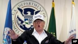 El presidente de EE.UU., Donald Trump, habla en una mesa redonda sobre inmigración y seguridad fronteriza en la estación McAllen de la Patrulla Fronteriza en Texas, el 10 de enero de 2019.