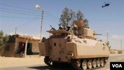 Pasca jatuhnya Presiden Morsi, militer Mesir melakukan penumpasan terhadap kaum militan Islamis di Sinai.