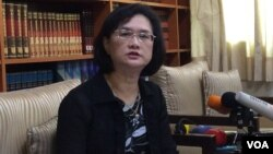 台湾外交部发言人王珮玲2017年6月6日在记者会上(美国之音记者申华 拍摄)