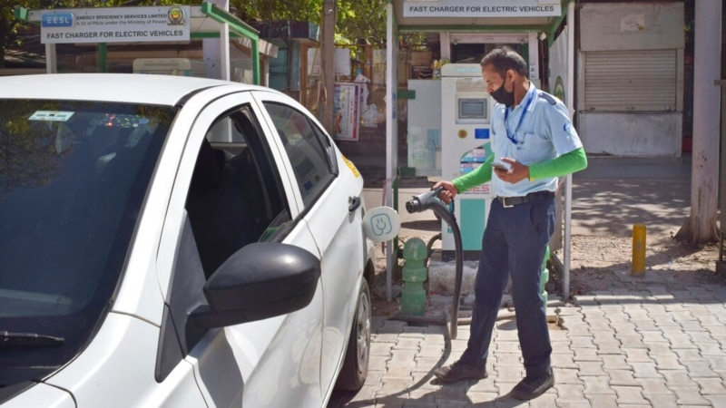 India to Spend $3.5 Billion to Fast-Track Shift to Clean Fuel Cars      ...