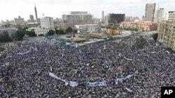 4月8日开罗解放广场上民众要求法办下台的前总统