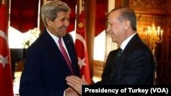 یشتر، کاخ سفید اعلام کرده بود آقای اوباما با رجب طیب اردوغان در واشنگتن دیدار دوجانبه نمی کند.