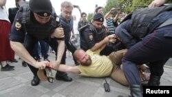 Акция протеста в центре Москвы. 12 июня 2019.