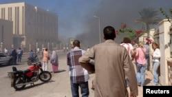 Sebuah bom mobil meledak di depan gedung pemerintah di Sinai, tujuan wisata utama di Mesir hari Senin (7/10).