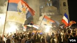 Pristalice opozicije slavile su na ulicama Podgorice i drugih gradova posle parlamentarnih izbora 31. avgusta 2020.