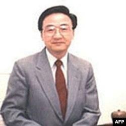 台湾政治大学教授殷乃平