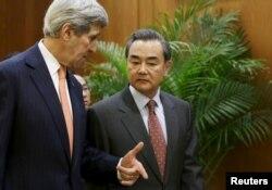 Los cancilleres de EE.UU. y China se reunieron el 27 de enero para conversaciones que incluyeron el delicado tema del programa nuclear norcoreano, que China apoya como proveedor de Pyongyang.