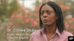 雪佛龙公司的欧卡拉医生正在尼日利亚从事对抗艾滋病的工作