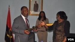 Tomada de posse de Isac dos Anjos como governasdor do Namibe (VOA / A. Chicoca)