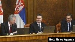Danas je u Vladi Srbije, uz prisustvo predsednika Srbije Tomislava Nikolića, odrzana sednica Vlade na kojoj je državni vrh raspravljao o Kosovu.