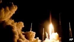 猎鹰9号火箭7月17日从佛罗里达的发射基地升空