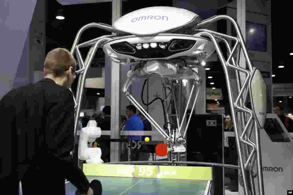 تصویر ربات تنیس باز در نمایشگاه کالاهای الکترونیکی ۲۰۱۸ لاس وگاس