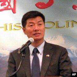 西藏首席部长洛桑森格今年七月访问华盛顿(资料照片)