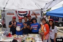 Tổng thống Trump được nhiều cử tri gốc Việt ủng hộ (ảnh chụp ở St. Petersburg, Florida, 4/10/2020)