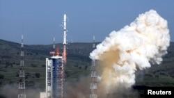 2013年7月20日中國長征四號丙型運載火箭升空(路透社)