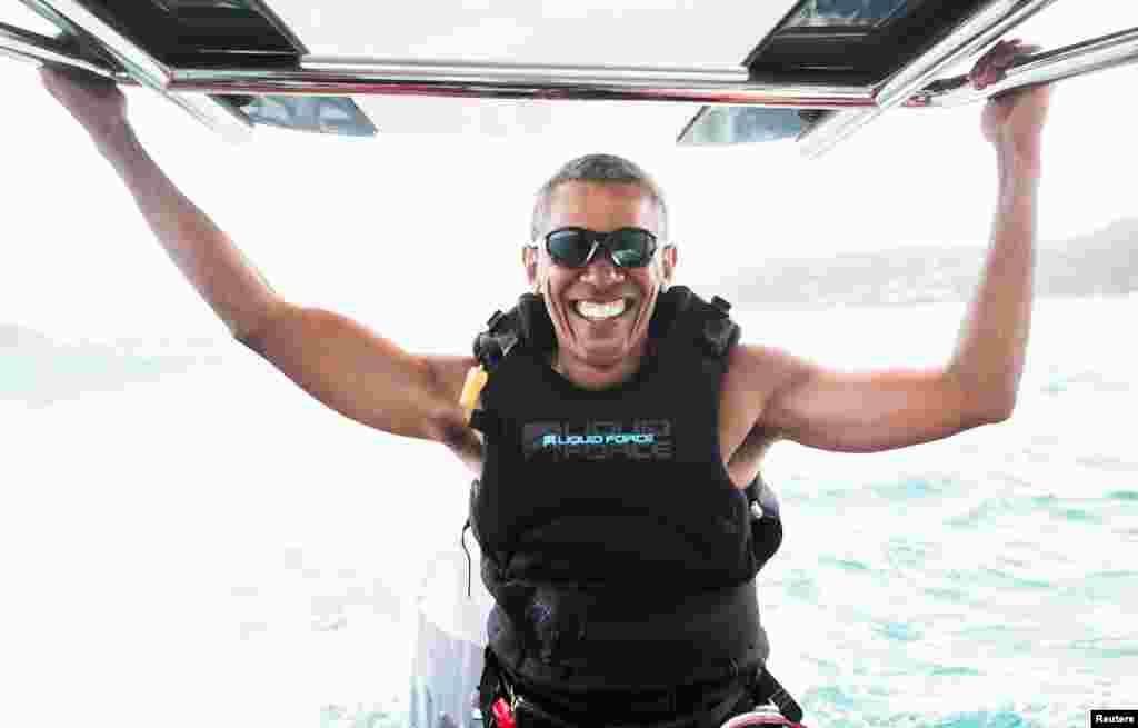 تعطیلاتباراک اوباما رئیس جمهور سابق آمریکا در یک جزیره خصوصی در جزایر ویرجین بریتانیا.