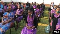 Abadabuka eMalawi abahambe emhlanganweni oqoqwe lilizwe leli eZimbabwe ngoLwesine. (Photo: Mavis Gama)