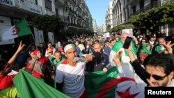Manifestation à Alger, le 14 février 2020. (REUTERS/Ramzi Boudina)