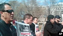 Anti-Gadhafi demonstrators in front of the White House, February 22, 2011
