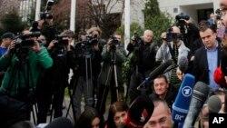 Premijer Srbije Aleksandar Vučić obraća se medijima (arhivski snimak)